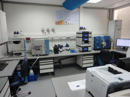 Lab equipment LC MS MS // Labo equipement LC MS MS 2